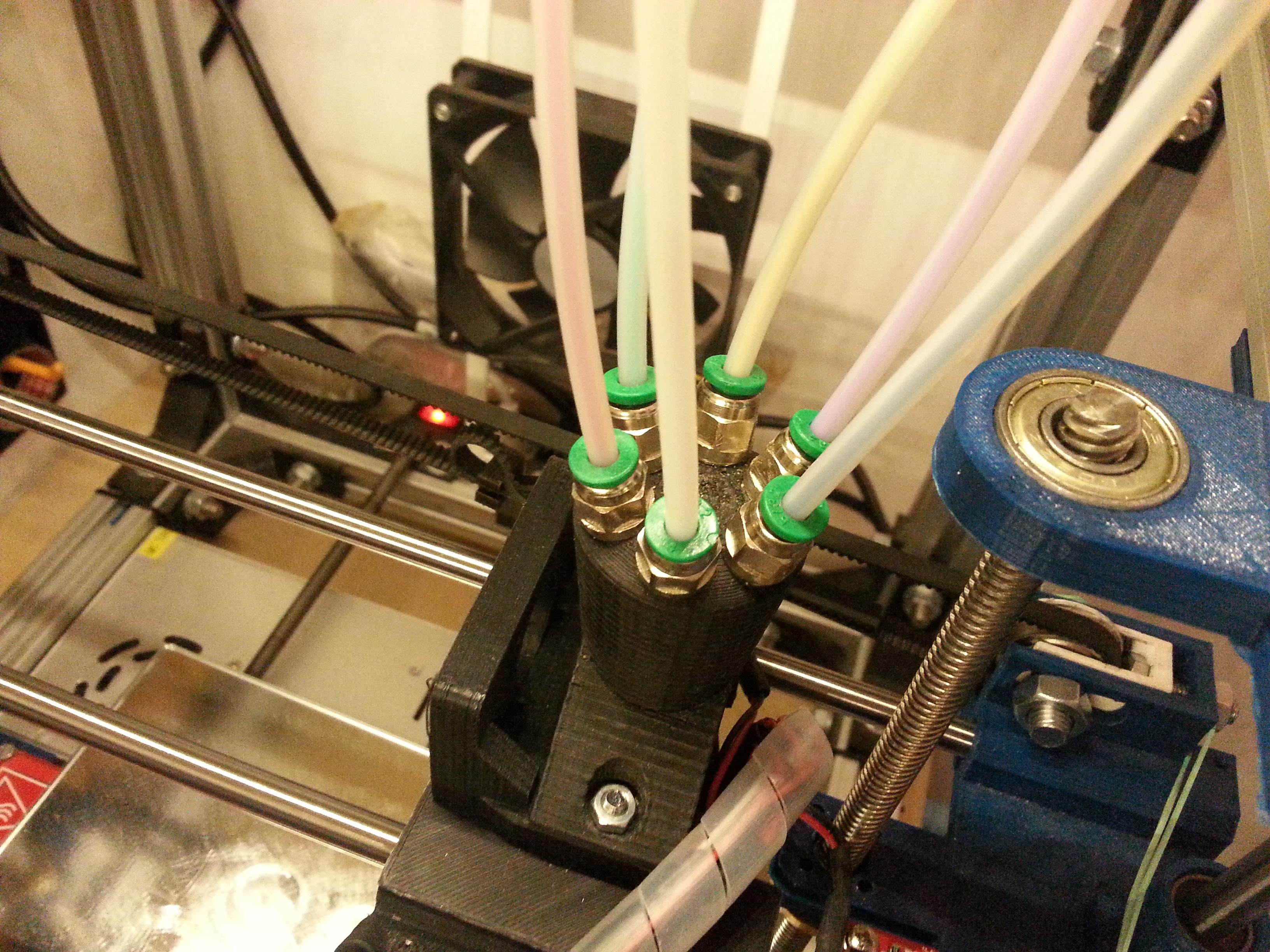 stampante 3d multicolore